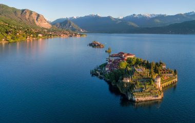 The magical islands of Lake Maggiore loved by Hemingway