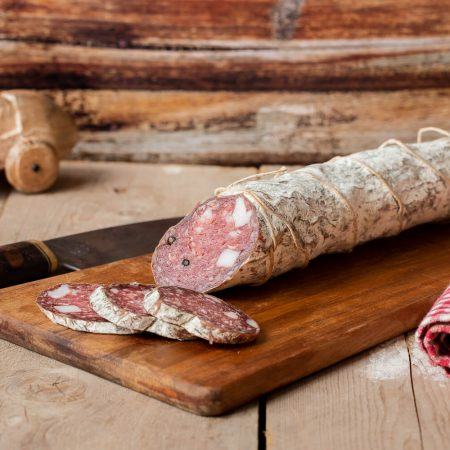 Salame of Garfagnino with lard